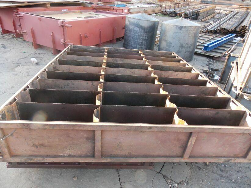формы для шлакоблоков с металлическими стенками