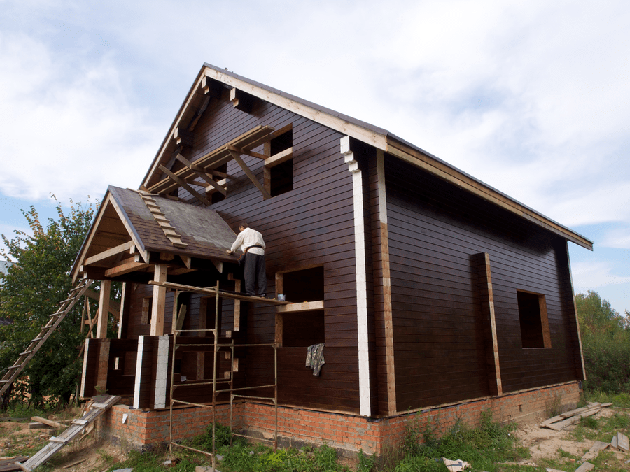 крашеный дом из сосны